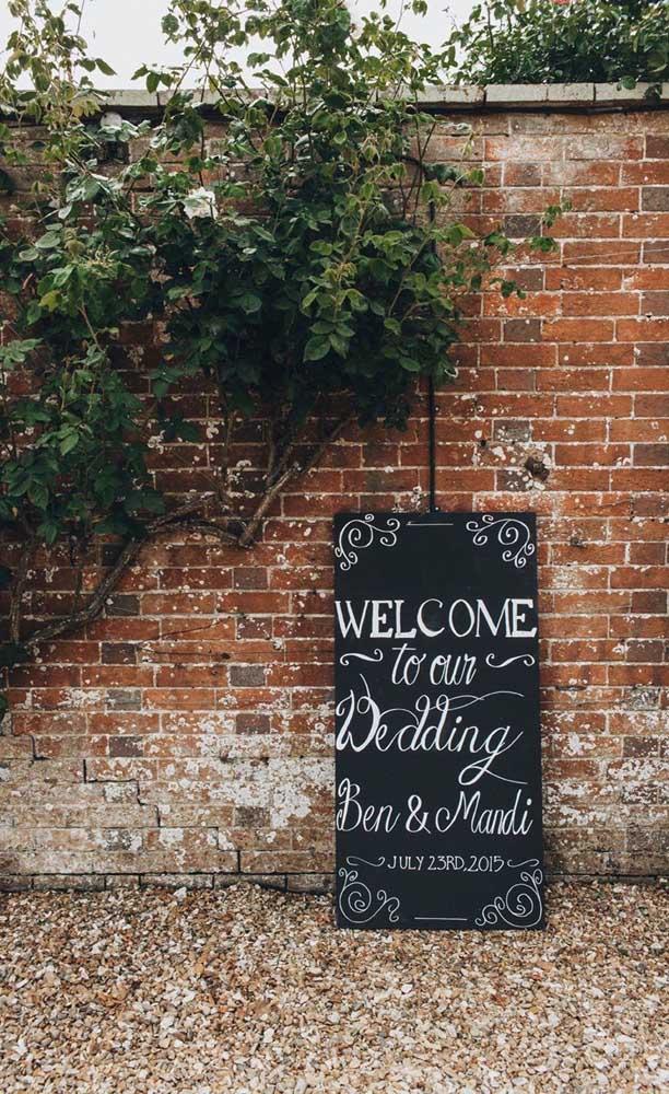 Lousas são ótimas opções para decoração simples de festa de casamento