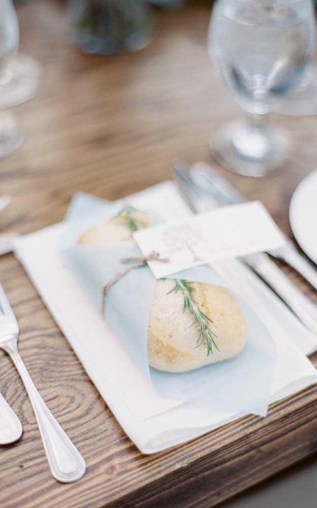 Opção diferente de entrada que serve também para decorar a mesa de jantar do casamento simples