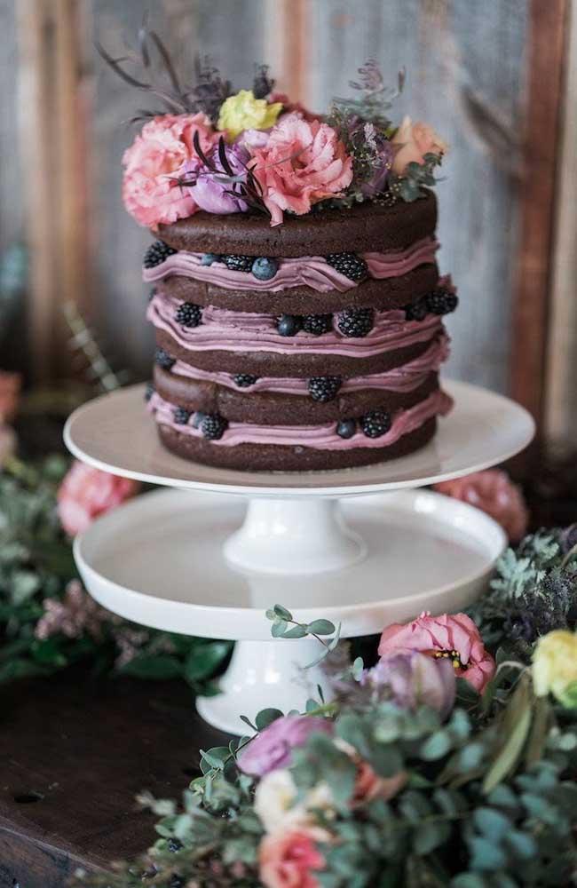 Mais um naked cake para inspirar um bolo lindo e simples de casamento