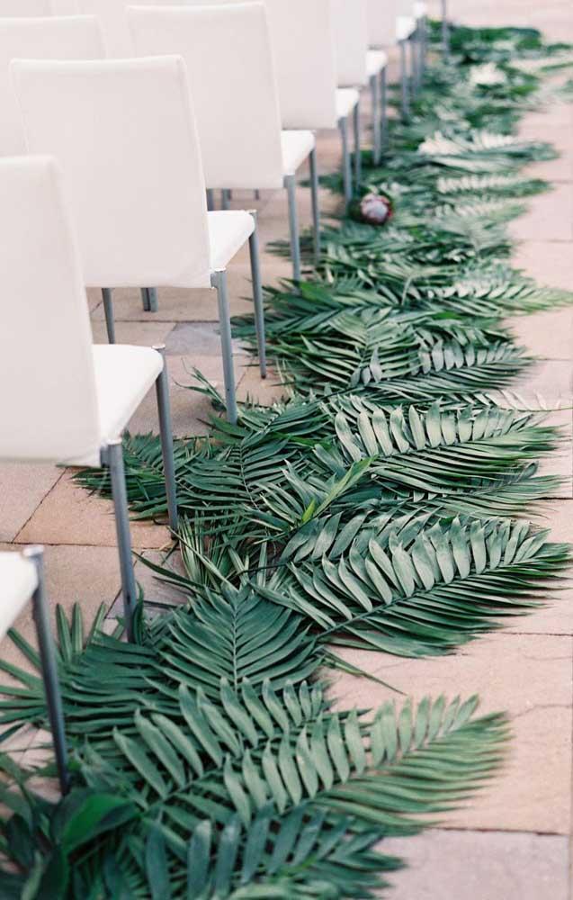 Para esse altar, foram usadas apenas folhas