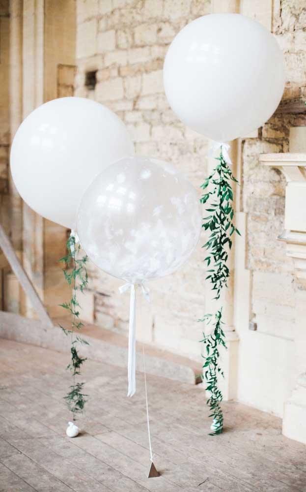 Decoração com balões são muito válidas para um casamento simples e barato