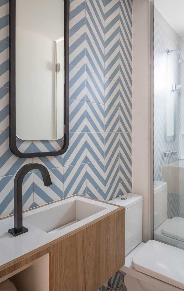 Os banheiros também merecem um projeto especial de decoração, a começar pela escolha do revestimento
