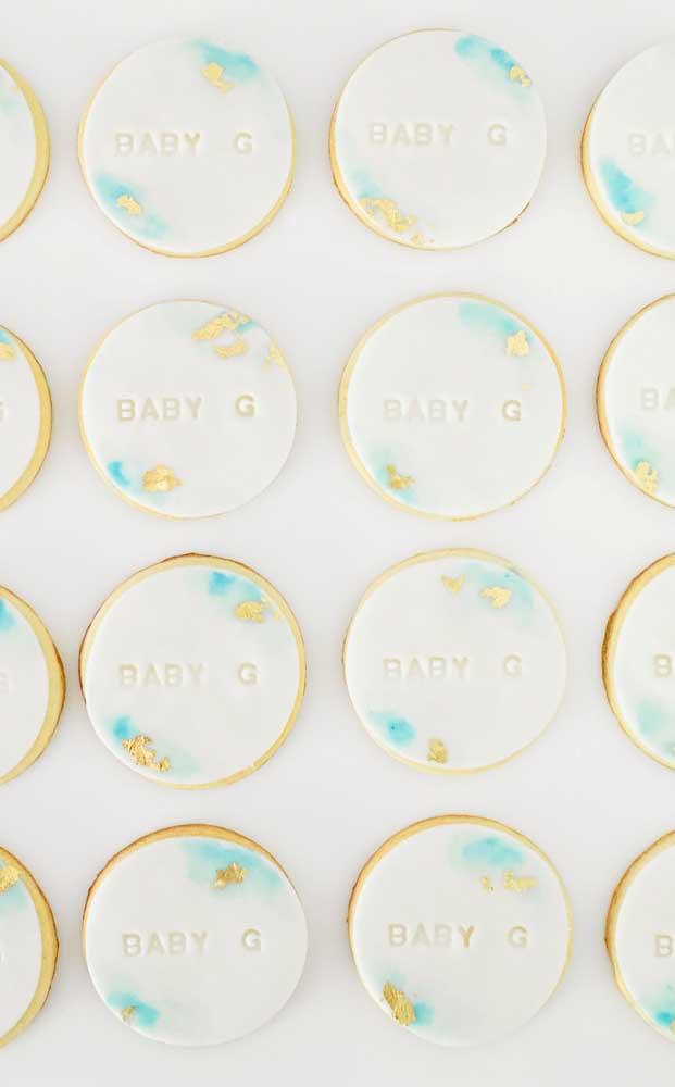 Biscoitinhos delicadamente decorados e personalizados para o chá de bebê