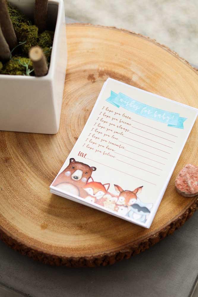 Deixe um caderninho de mensagens em um ponto de fácil acesso para os convidados assinarem