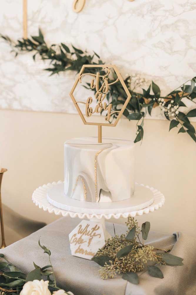 Que lindo bolo de chá de bebê com efeito marmorizado