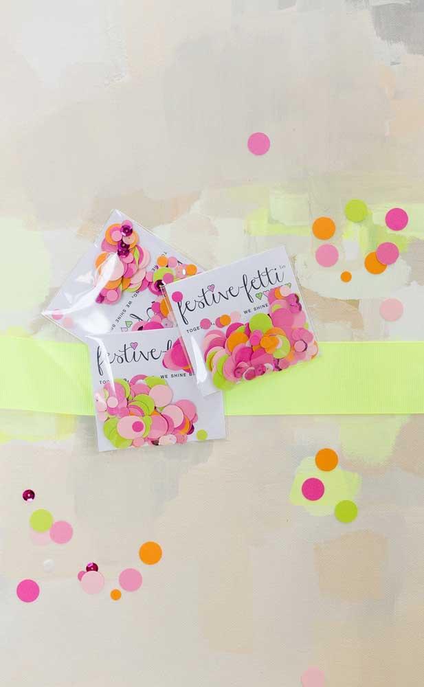 Confetes coloridos para animar a festa