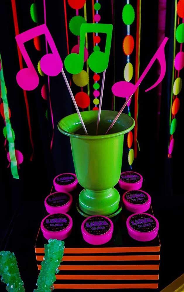 Neon e música: uma combinação perfeita para festas
