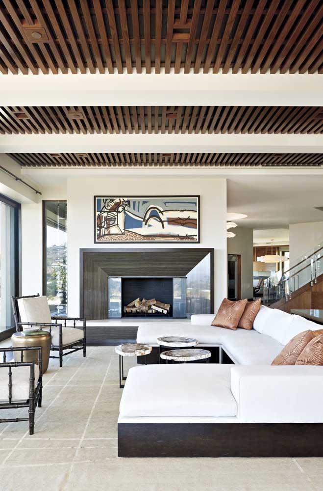 Forro vazado de madeira para a sala de estar contemporânea