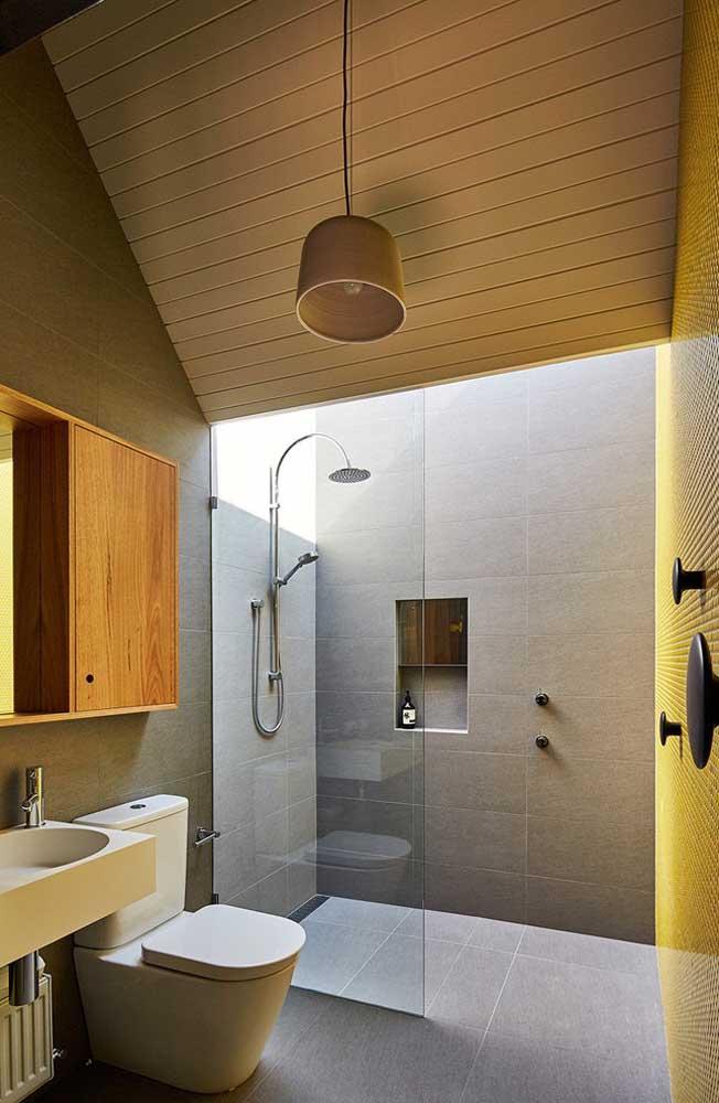 Forro de madeira no banheiro: tomando os devidos cuidados, a madeira se mantem bonita e saudável por longos anos