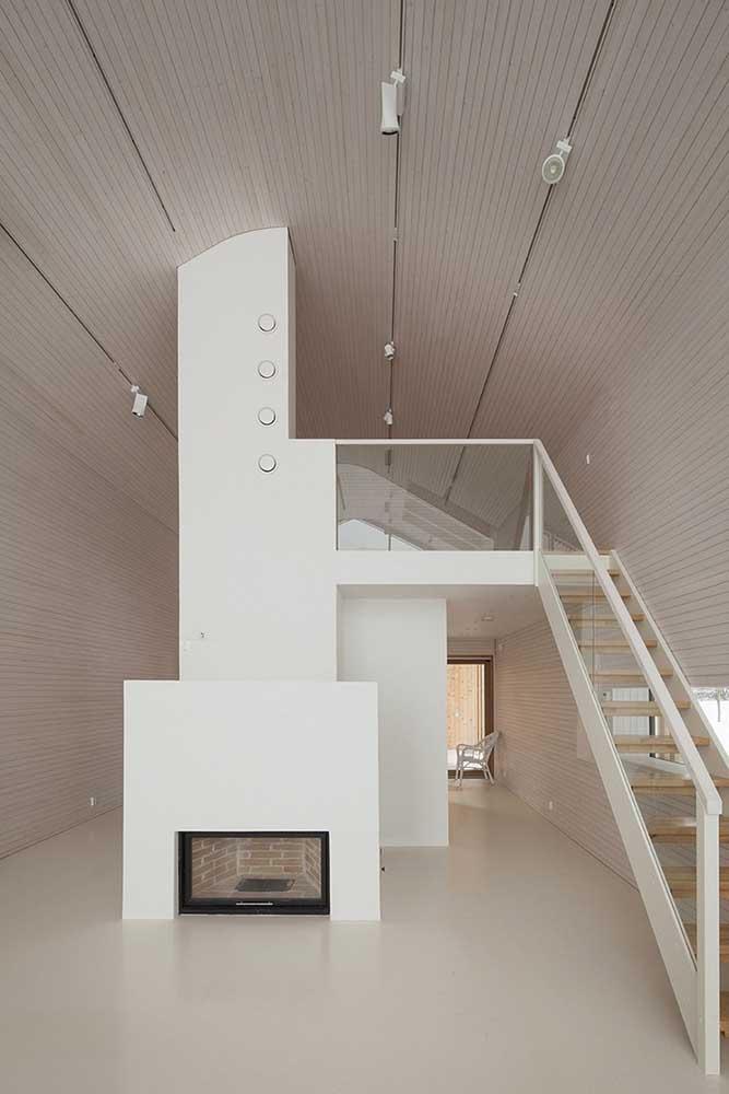Quer um pouco mais de modernidade? Opte por um forro de madeira acinzentado