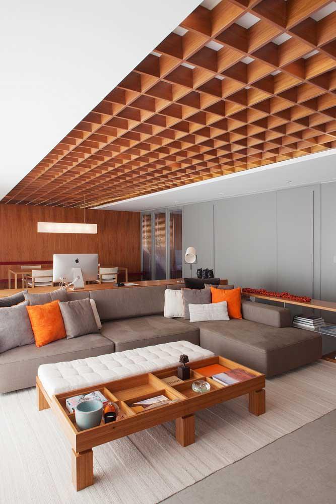 Inspiração moderna e super diferente de forro de madeira