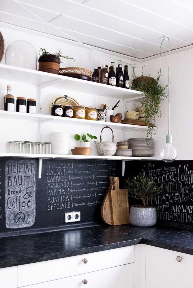 Papel lousa na cozinha: decore com descontração e frases divertidas