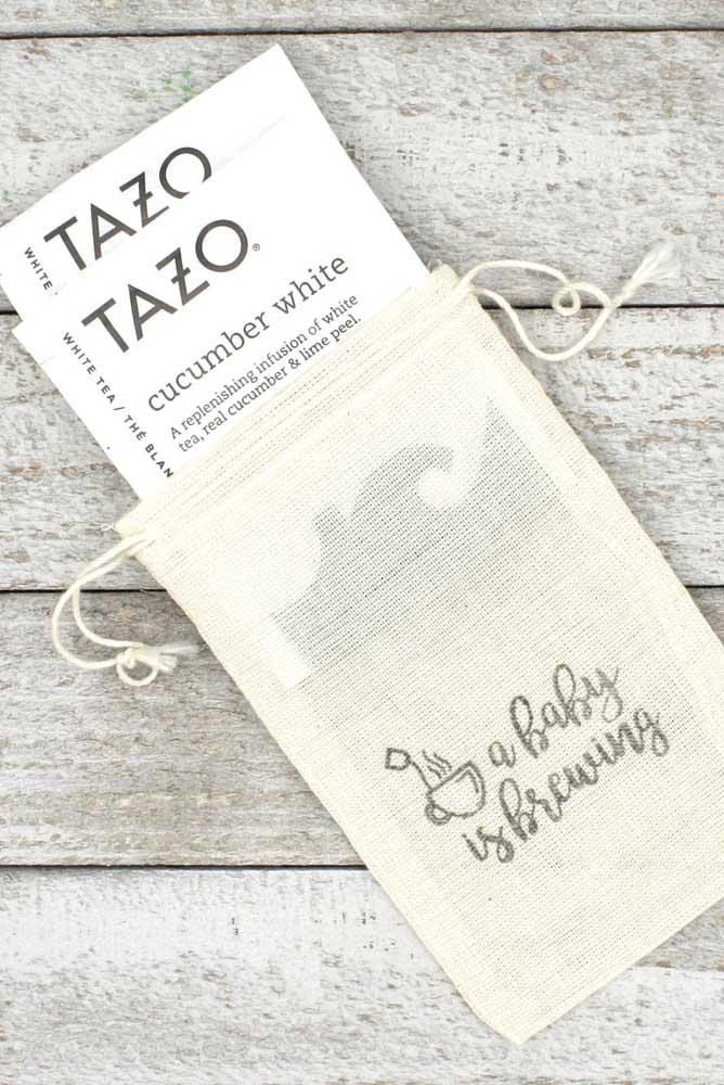 E nada melhor do que saquinhos de chá para as lembrancinhas do chá de bebê