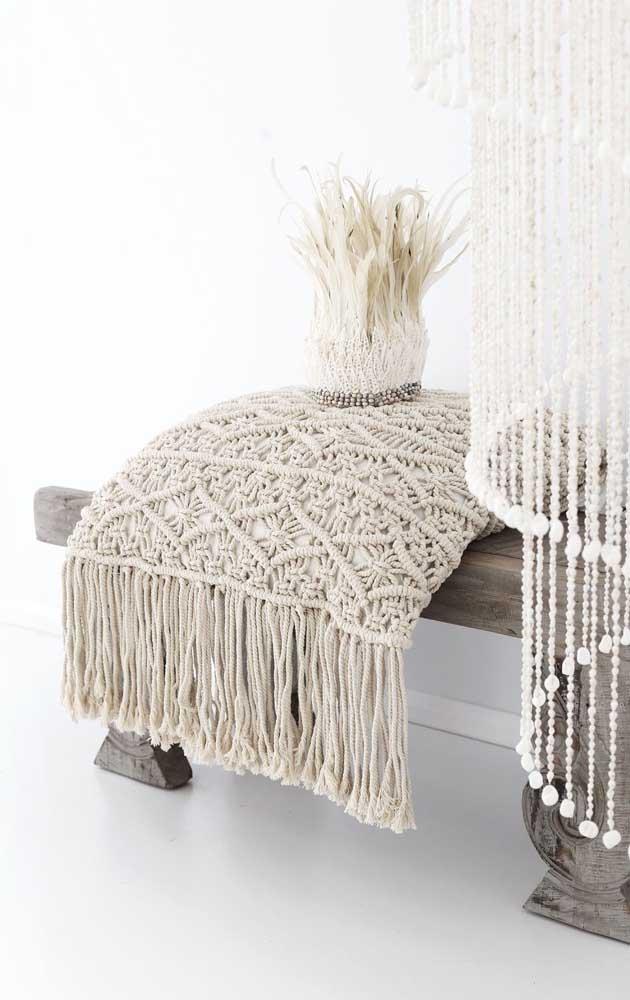 Uma almofada super confortável e bonita feita na técnica do macramê