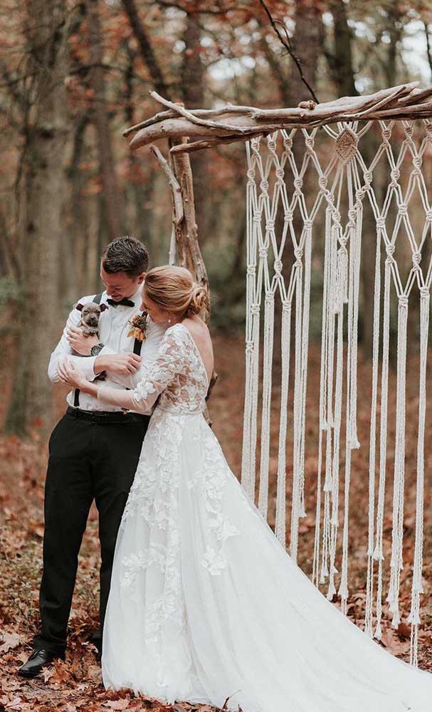 Nas festas de casamento, o macramê também é destaque, especialmente naqueles de estilo rústico ou boho