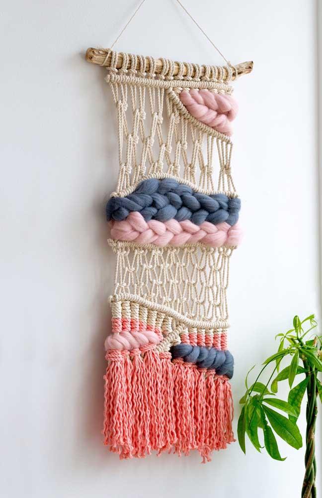 Macramê e maxi crochê: duas grandes tendências de decoração na mesma peça