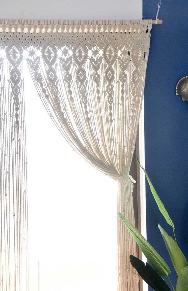 Uma cortina de macramê super elaborada para decorar a casa sem deixar a funcionalidade de lado