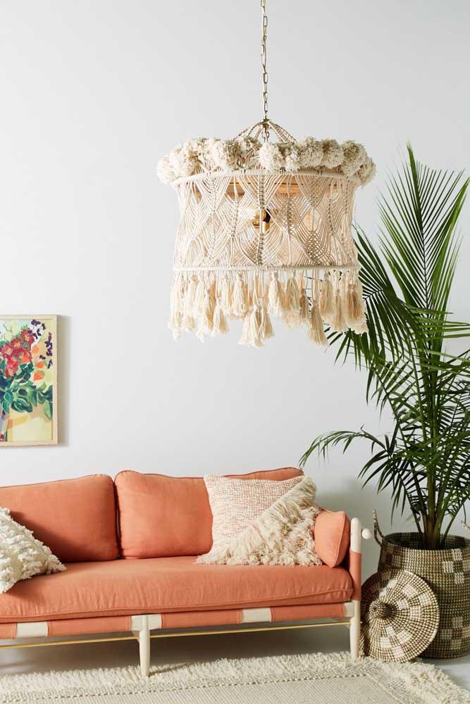 Mais uma inspiração de luminária em macramê, só que essa aqui é para sala de estar