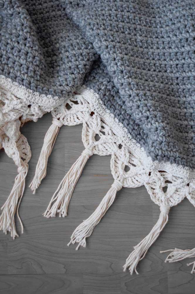 Manta de tricô com barrado em macramê, uma combinação perfeita!