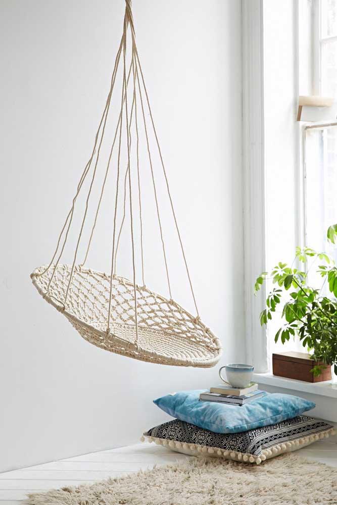 Conforto, simplicidade e acolhimento resumem esse balanço super bonito feito em macramê