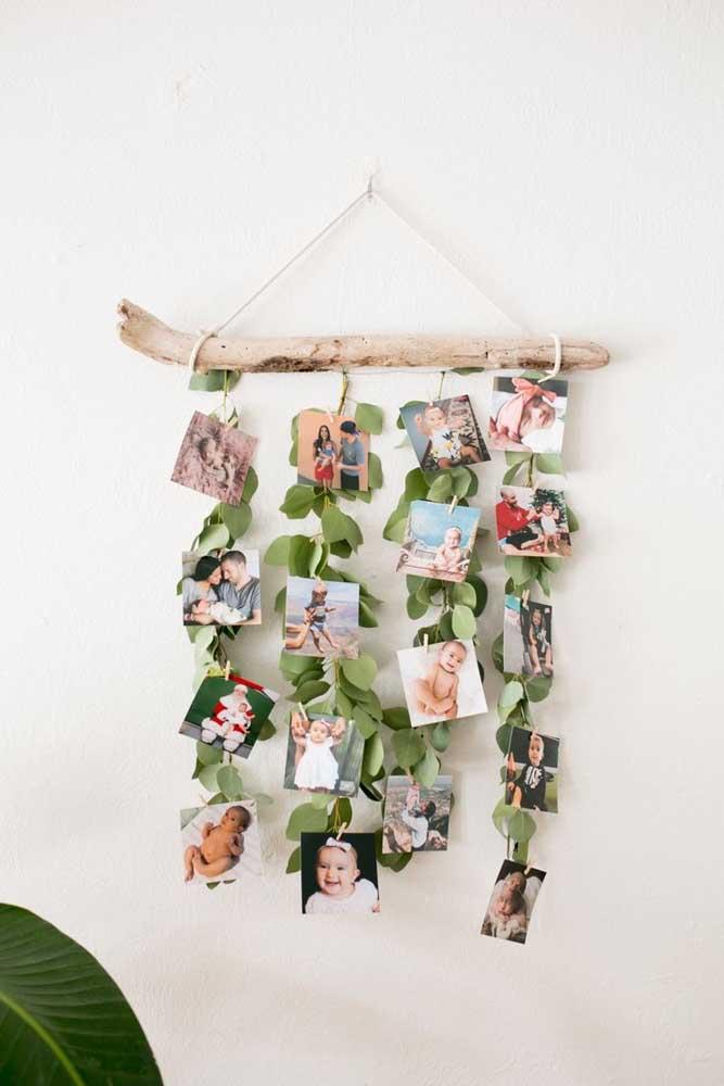 Que ideia linda e super fácil de fazer! Varal de fotos em um galho de árvore