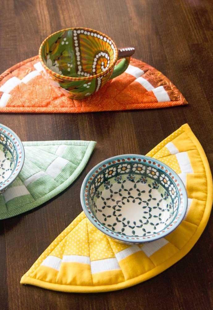 Ideia criativa de patchwork: suporte para copos e xícaras