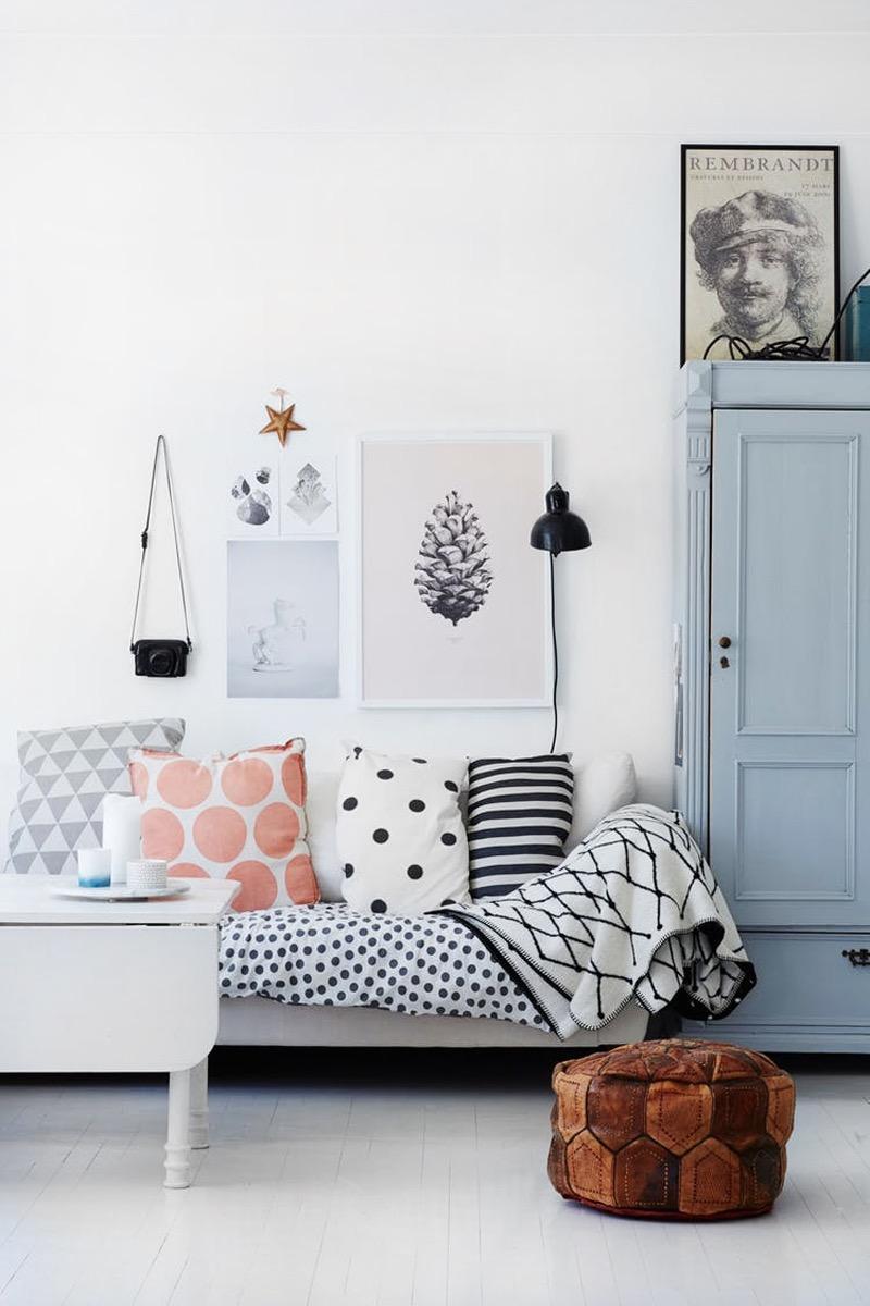 Quando você colocar uma peça da decoração que seja completamente diferente dos outros, é impossível não chamar atenção.