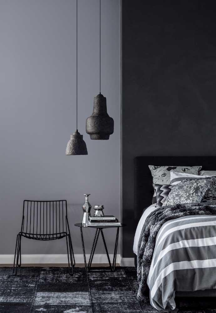 Os objetos decorativos podem fazer grande diferença na decoração do quarto cinza.