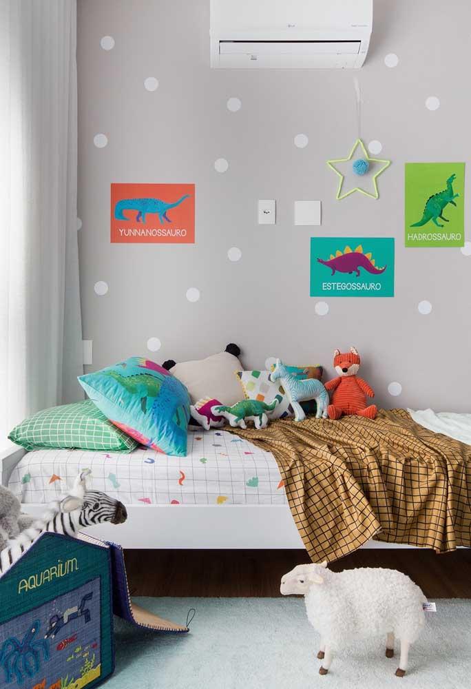 Use a criatividade para deixar o quarto infantil cinza mais divertido.