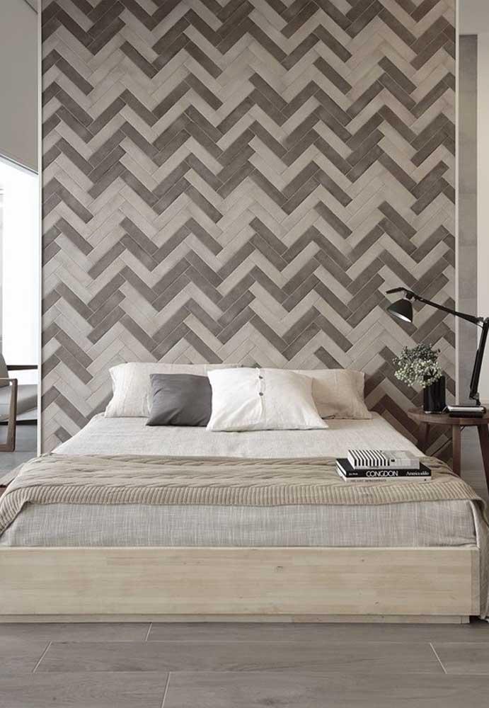 Que tal usar pastilhas de cores diferentes para fazer uma parede perfeita para o quarto?