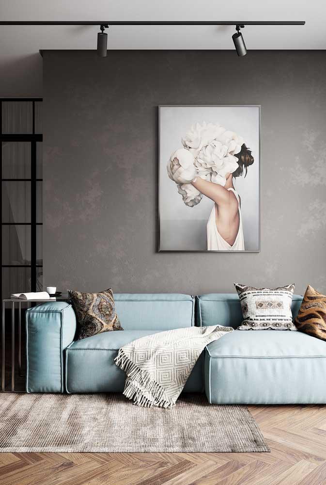 Sofá moderno azul claro super confortável; uma grande tendência nos projetos atuais