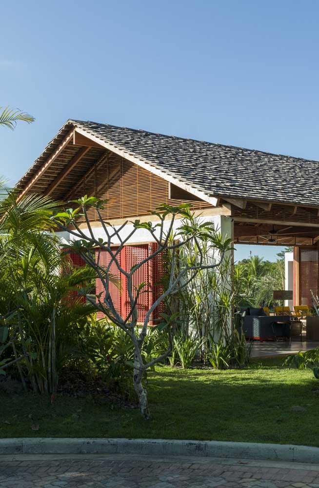 Telhado colonial em ardósia para a casa contemporânea
