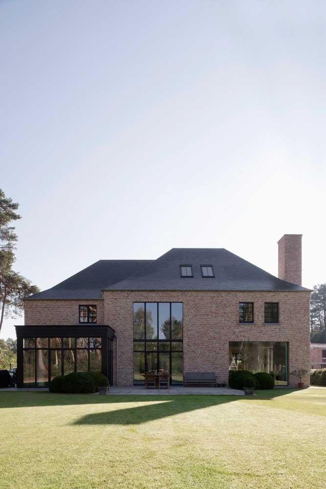 Os modelos de telhas laranja são os mais escolhidos para os telhados coloniais