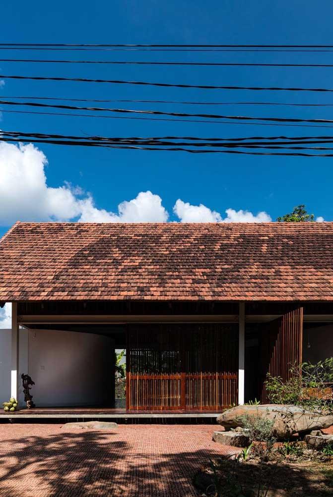 Telhado colonial envelhecido para o imóvel rústico