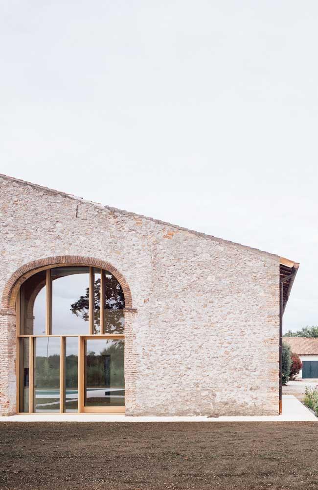 Projetos arquitetônicos rústicos combinam muito com os telhados coloniais