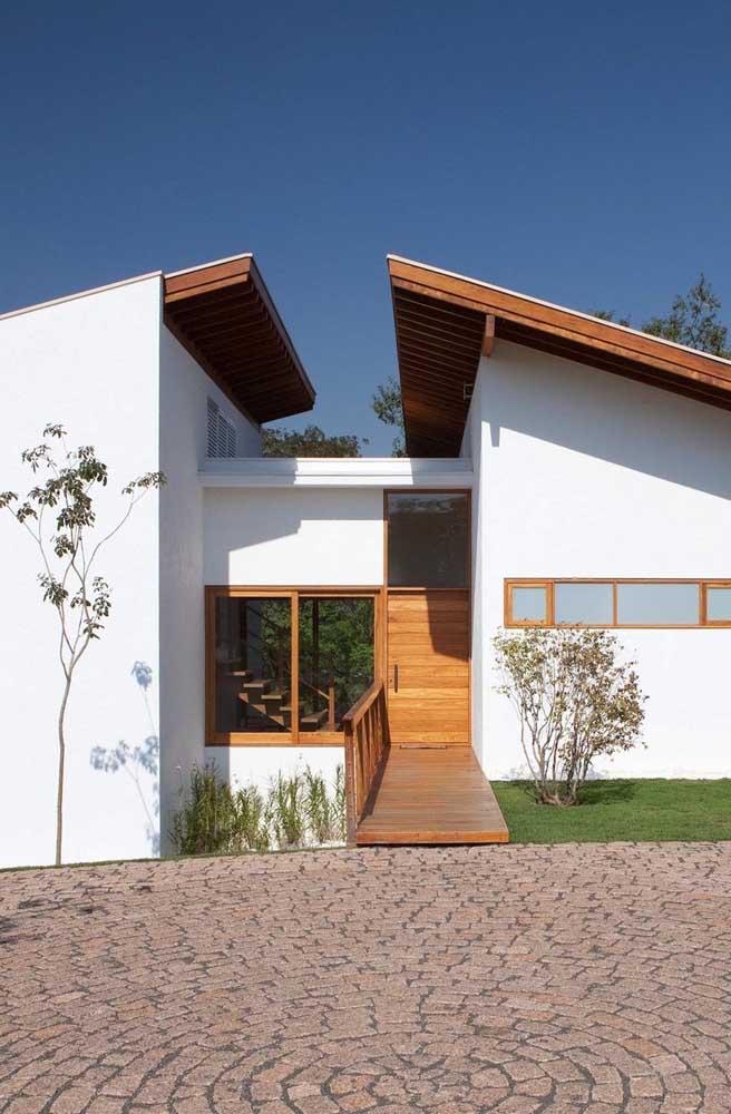 Opção de aplicação de telhado colonial com meia água