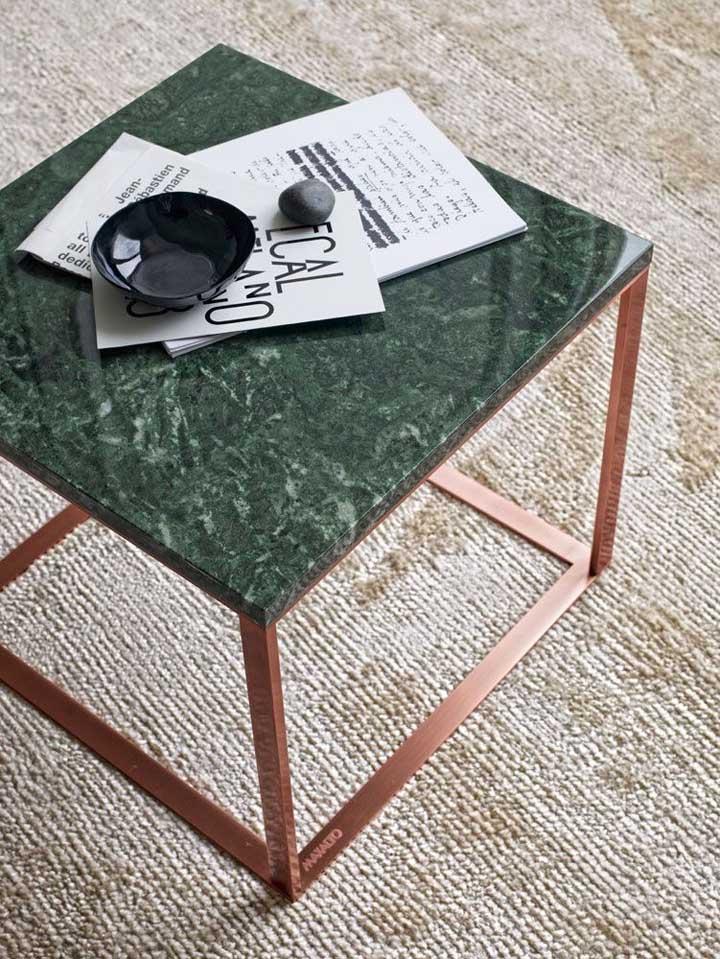 Que tal uma peça pontual feita de granito verde na decoração? Uma joia no ambiente
