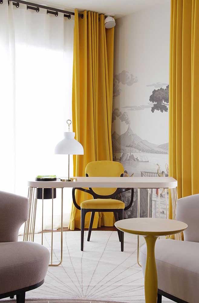 Escolha alguns elementos decorativos para compor a decoração do cômodo.