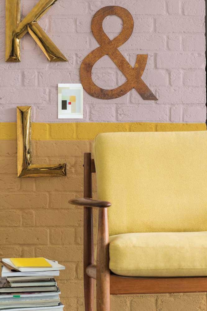 Aposte nos detalhes na cor amarela para fazer a decoração do ambiente.