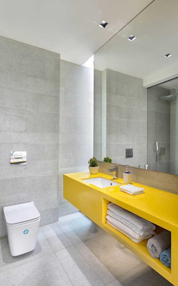 A cor amarela dá uma equilibrada na seriedade de outras cores.