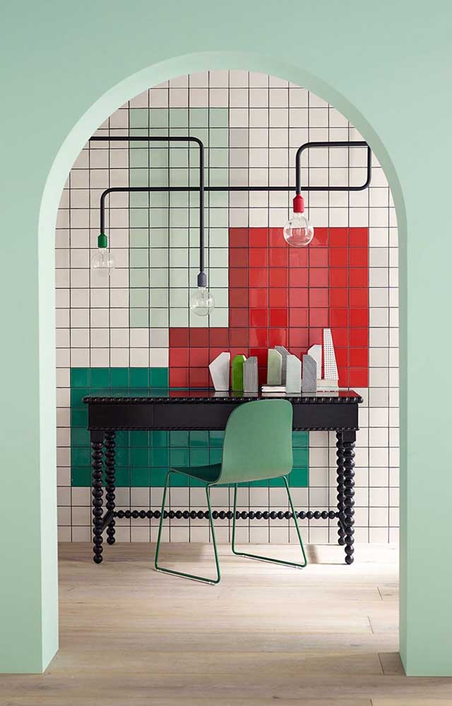 Como usar o vermelho em uma inspiração moderna e de influência industrial? A imagem a seguir revela