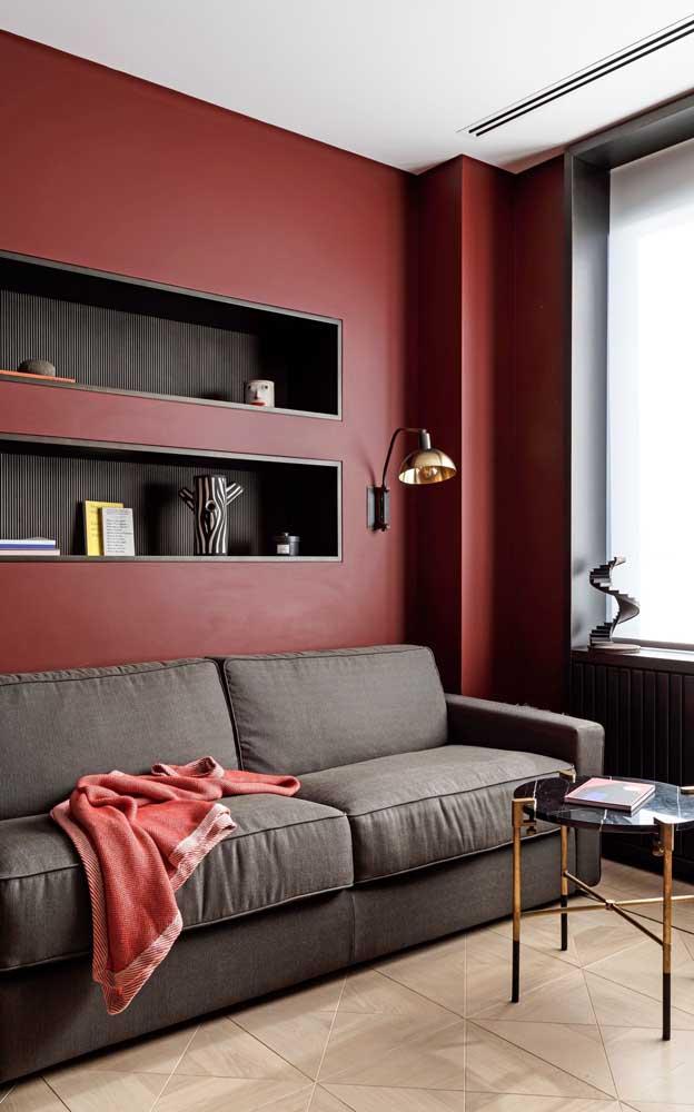Inspire-se nessa sala para criar uma decoração elegante e sofisticada com o vermelho