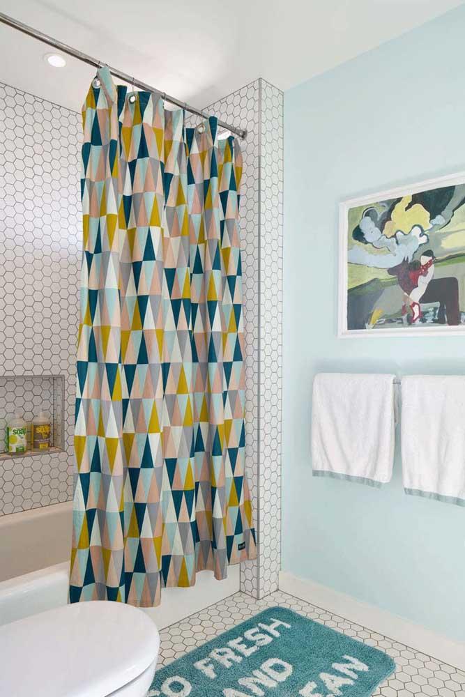 Nem pense que cortininha de banheiro é coisa do passado, elas estão com tudo e podem ser a cereja do bolo do seu banheiro