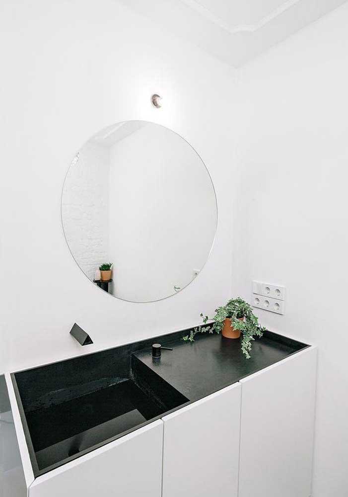 Banheiro decorado pequeno perfeito para minimalistas