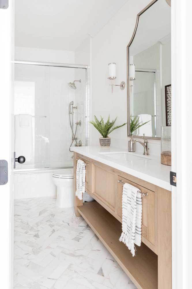 Banheiro pequeno e sofisticado: tamanho não é problema quando se deseja decorar com elegância e refinamento