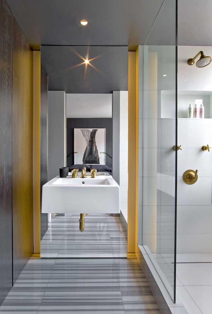 Um toque de amarelo para trazer modernidade e vida ao banheiro decorado