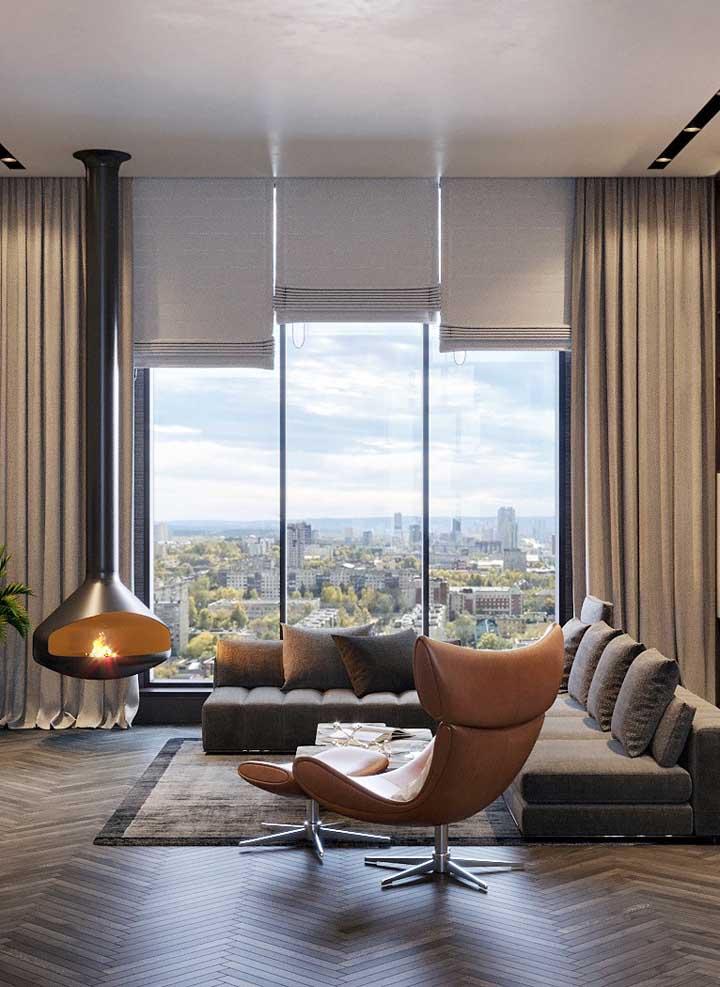 A elegância das cortinas de tecido com a modernidade das persianas