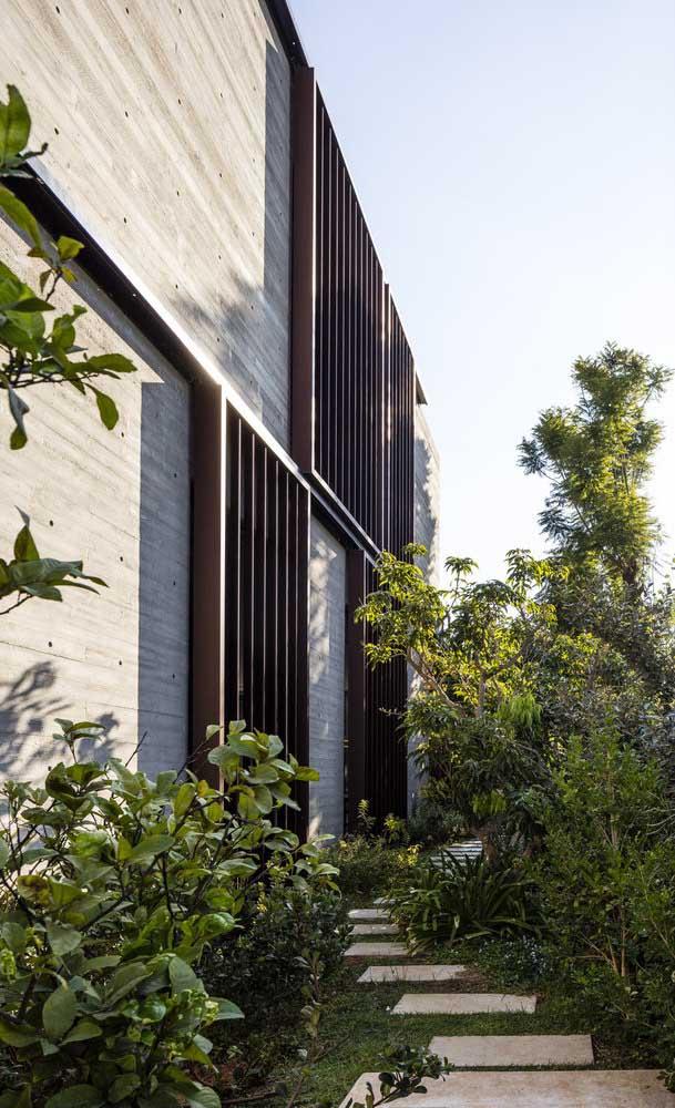 As grades para janela não precisam ser um diferencial negativo na fachada, pelo contrário, elas podem se tornar o recurso mais chamativo do imóvel
