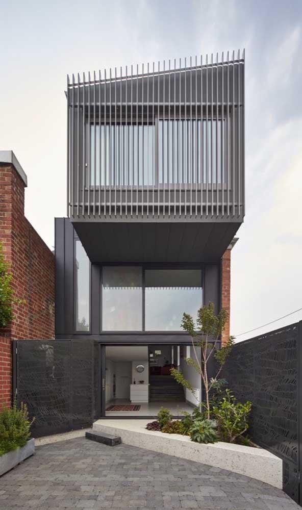 As grades não precisam se limitar ao tamanho exato da janela, elas podem se estender cobrindo toda a área da parede