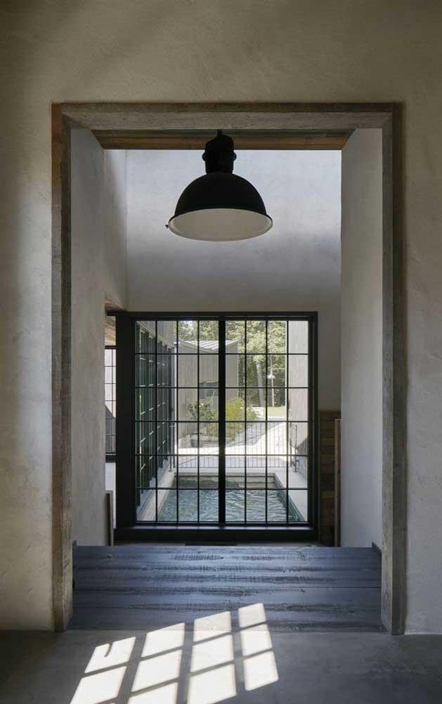 As grades, portas e portões podem seguir o mesmo estilo e modelo